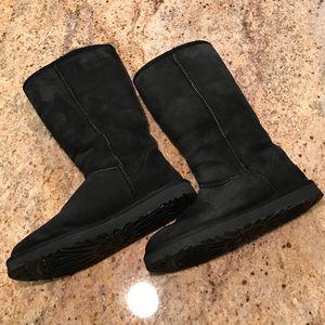 UGG Genuine Leather & Sheepskin Black Boots 9